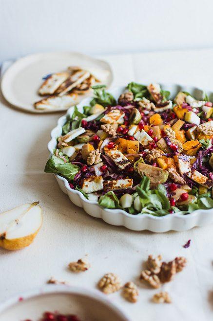 Nectarine, Halloumi, Pear and rocket salad